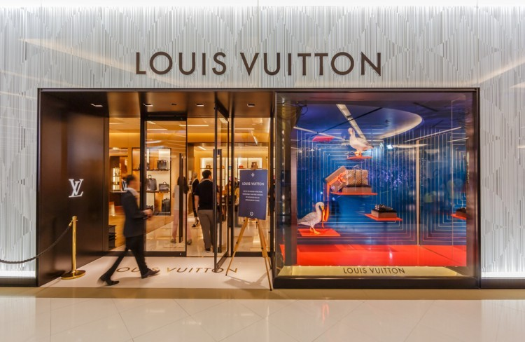 vuitton, china, asia, front, handbags, clothing, wealthy, street, mall, lv, expensive, retail, outlet, chinese, business, affluent, sign, life, buying, couture, wealth, upscale,