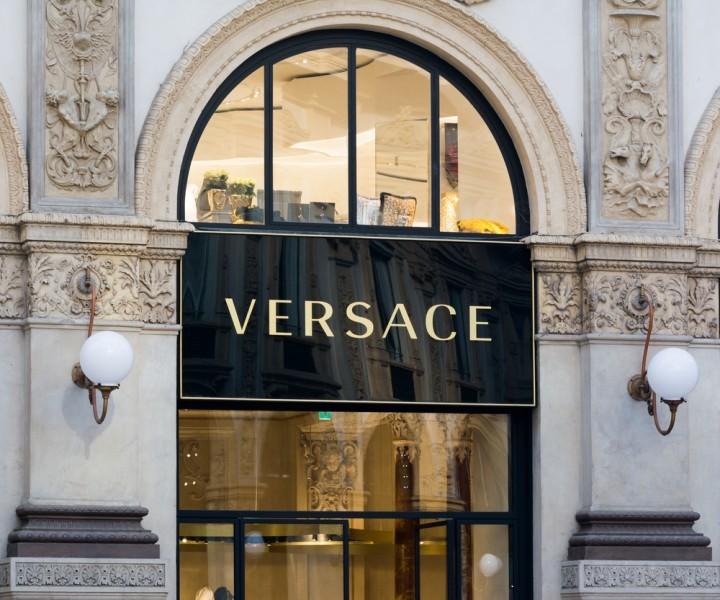 shutterstock_522817153 Versace boutique in Milan, fashion, brand, style, luxurious, elegance, retail, sale